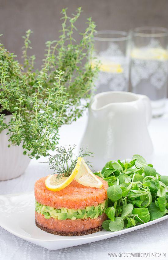 Healthy / Avocado & salmon tartare