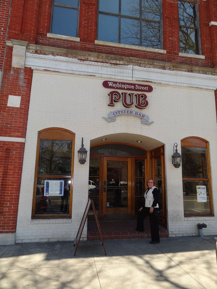 Washington Street Pub in Easton, Maryland.