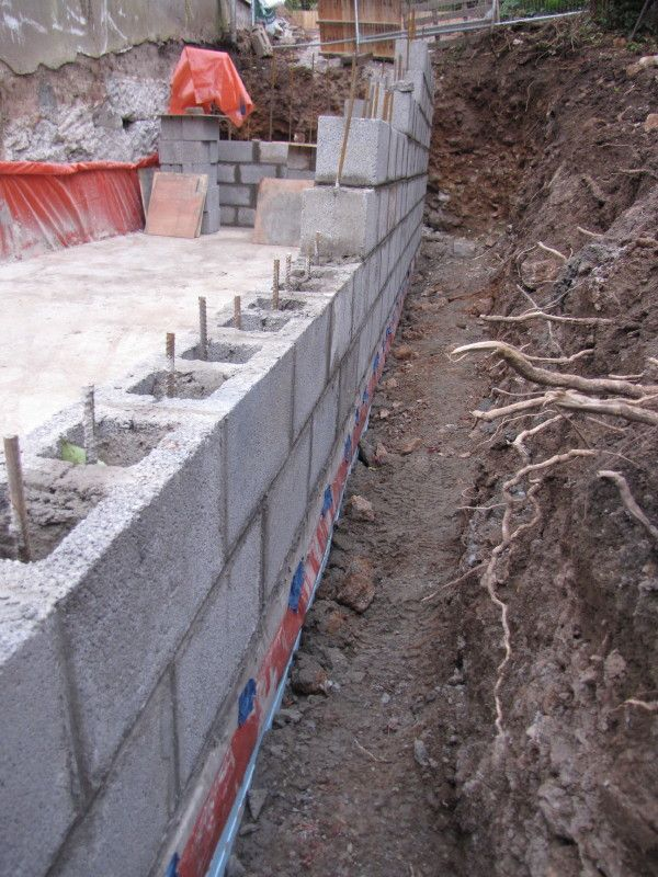 Building A Retaining Wall With Concrete Blocks Uk Flooring Ideas In 2020 Building A Retaining Wall Cheap Retaining Wall Concrete Block Retaining Wall