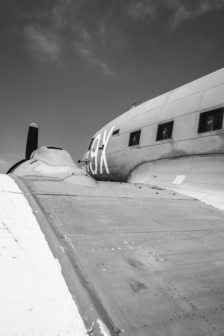 https://flic.kr/p/Had8fC | Douglas C-47 - Batterie de Merville | April 2016