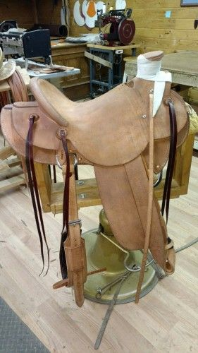 Matt Thompson Wade Saddle 16 inch Rough-out for Sale - For more information click on the image or see ad # 70138 on www.RanchWorldAds.com
