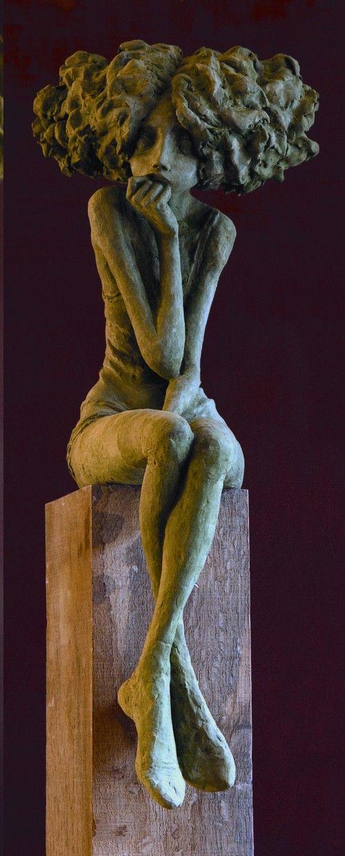"""Mélancolie - Les """"petites bonnes femmes"""" de Valérie HADIDA, sculpteure et peintre"""
