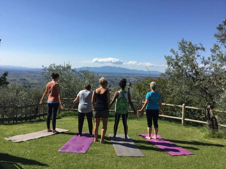 Nyd foråret med en Yogarejse til Toscana, Italien | 5. - 11. maj 2018 - Oplev foråret i Toscana, dejlig sund italiensk mad og oplevelser i det fantastiske bjerg- og naturområde. På denne forårsrejse vil vi udforske nogle af yogaens mange veje, en uge med fokus på ro, styrke, nærvær og fordybelse, omgivet af den smukke Toscans