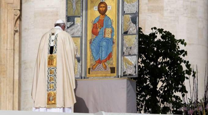 El Papa Francisco durante la Misa de Pascua de Resurrección. / Foto: Lucía Ballester (ACI Prensa)