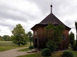 Znalezione obrazy dla zapytania Museum of the Mazovian Village in Sierpc (Mazovia near Warsaw) = Muzeum Wsi Mazowieckiej w Sierpcu (Mazowsze koło Warszawy) Kaplica z Dębska
