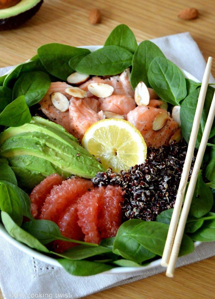 Salade de quinoa noir au saumon, épinard et à l'avocat, vinaigrette au pamplemousse