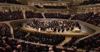 http://ift.tt/2ipqfAh http://ift.tt/2iliVlW   HAMBURGO Alemania Enero 2017 /PRNewswire/ - En el día de ayer ha quedado inaugurada la Elbphilharmonie Hamburg con un acto solemne y el primer concierto. La entidad es el nuevo corazón de la capital musical noralemana. En su arquitectura y su programación el espectacular auditorio aúna excelencia artística y máxima accesibilidad pública. Diseñada por el estudio de arquitectura Herzog & de Meuron y ubicada en situación destacada y visible entre la…