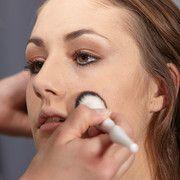 Wie schminke ich mich altersgerecht? Wie kann ich meine eigenen Vorzüge betonen? Das alles erfährst du bei der TeenEvent Make-up Academy #TeenEventMake-upAcademy http://www.teenevent.de/events/make-up-academy/
