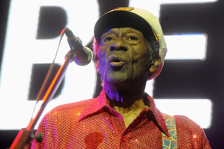 Rock 'n' roll legend Chuck Berry, who is known for hits like ''Sweet Little Sixteen' and 'Roll Over Beethoven,' died at 90 years old. (Reuters)  via @AOL_Lifestyle Read more: https://www.aol.com/article/entertainment/2018/01/15/cranberries-lead-singer-dolores-oriordan-dies-suddenly-at-46-rte-tv/23333892/?a_dgi=aolshare_pinterest#fullscreen