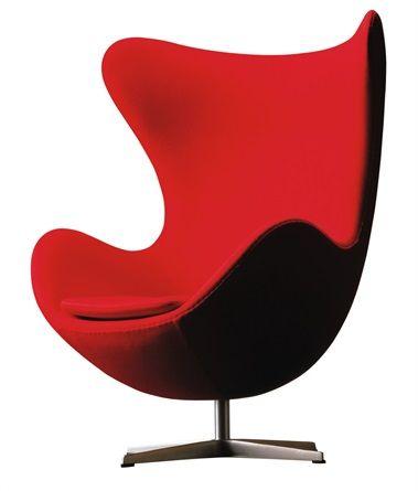 EGG CHAIR (1958) Di Arne Jacobsen  In puro stile Modernista, fu pensata nel per arredare le lobby rooms del SAS Royal Hotel di Copenhagen. La linea trae ispirazione proprio dall'idea del guscio che, in questo caso, racchiude il corpo umano, proteggendolo dagli sguardi indiscreti e garantendo relax e privacy.  #design #armchair #modern