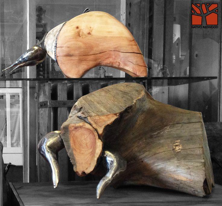 Nativo Redwood. Escultura de toro de madera nativa de una pieza con cachos de fierro forjado reciclado. Diseño de JPBisbal  Disponible en nuestra sucursal de Barrio Italia, en Av. Italia 1334, local 2, Galeria Casa Mestiza, Providencia. www.facebook.com/nativoredwoodsa