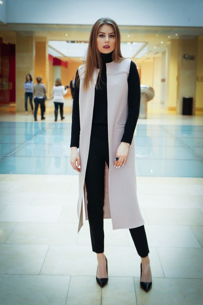 winter office style, outfit, business outfit, business style, corporate style, black, crop pants, turtleneck, long vest, sleeveless vest