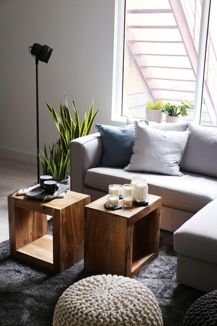 Sofa Switch gris / table de bout bois de rose Taja / End table rosewood / grey / nature  / maille