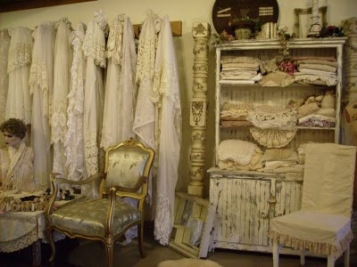 great idea for large blots of fabric use pegs on a wall to help hold them up, I also need to rework my lace like this.