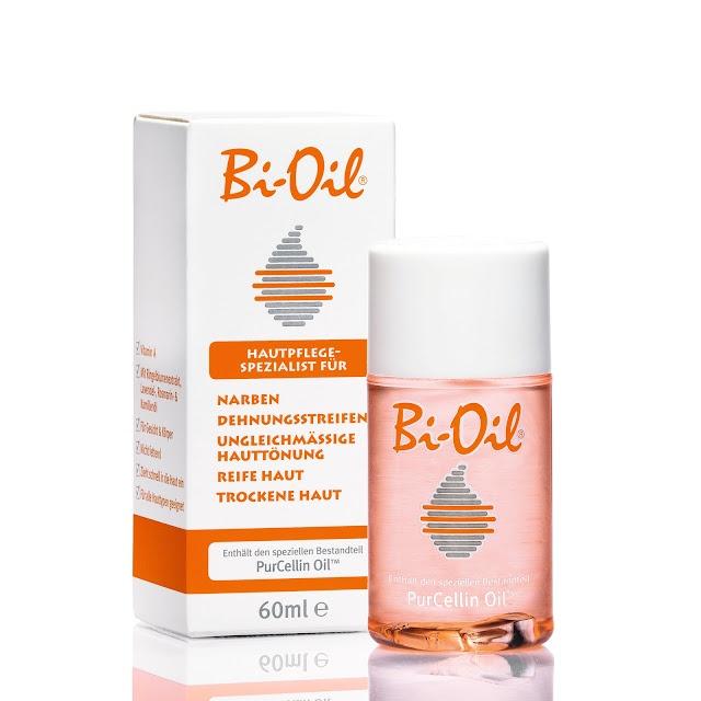 Das Pflegeöl 'Bi-Oil' hilft das Erscheinungsbild von Narben, Dehnungsstreifen, ungleichmäßige Hauttönung und bei reifer und trockener Haut zu verbessern. 2x täglich auf die betroffenen Stellen auftragen einmassieren und staunen