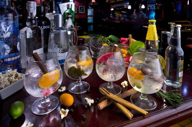 Another reason to love Madrid- the gin and tonics(gts) are Copious, pun intended.