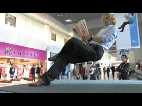 KLM Economy Comfort Product with Ramana at Manchester Airport T2 | 'magic' trick to convey a point
