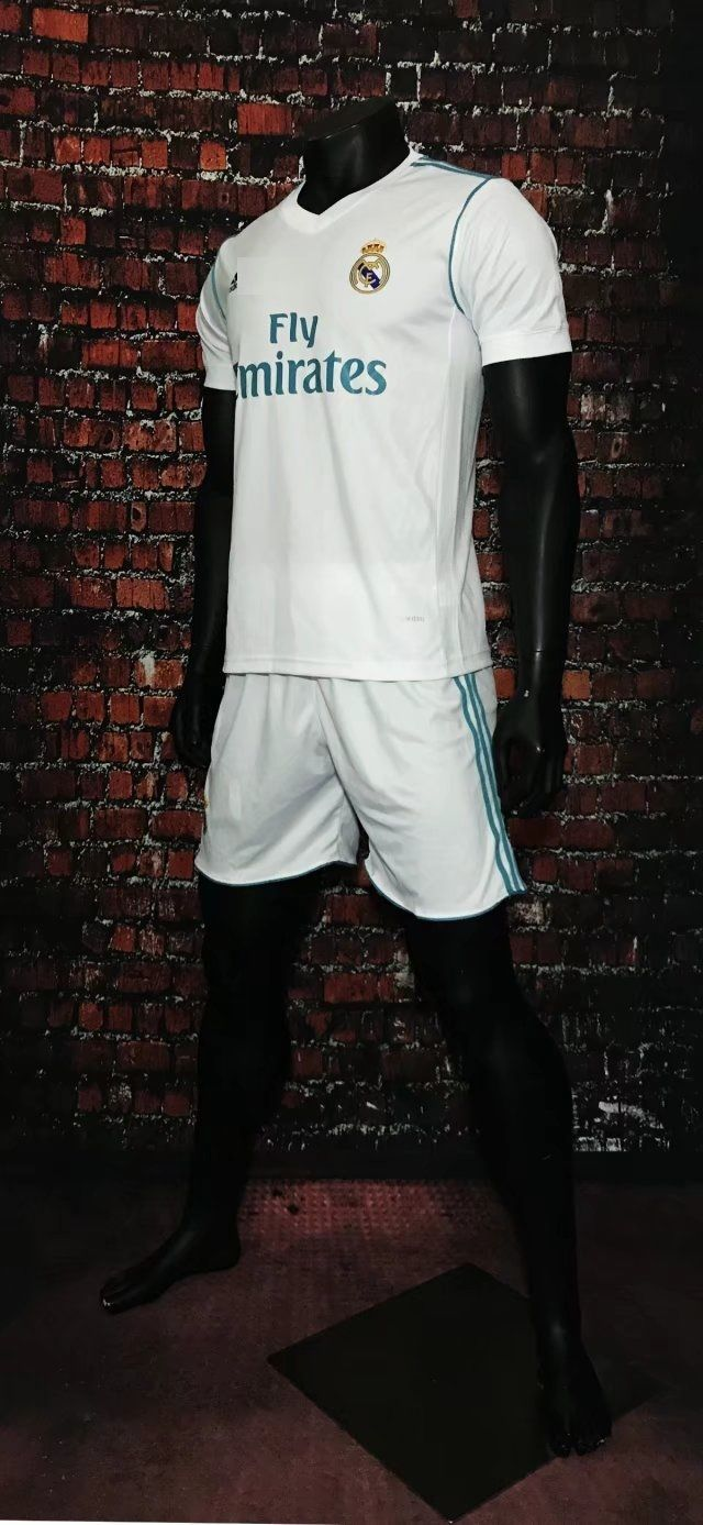 bab67250d 2017 2018 Adult Real Madrid Home Soccer Jersey Uniforms White Man Football  Tracksuit Shirt+Short Home Away