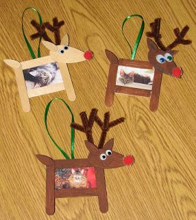 I love the idea of having a Christmas ornament with the kids picture.... Simple ideas for kid's crafts- Popsicle stick and clothes pin reindeer.