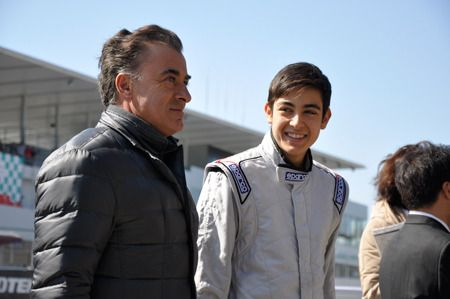 アレジとゴクミの息子ジュリアーノ、鈴鹿で日本初走行を披露