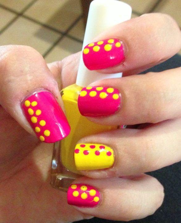 Sei alla ricerca di una nail art in gel semplice, ma bella? Ecco alcune idee