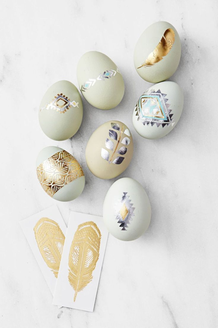 Heirloom Eggs Add Some Temporary Ink With Metallic Flash Tattoos Looking It To Mix It Up Use Heirloo Easter Eggs Diy Cool Easter Eggs Easter Egg Decorating
