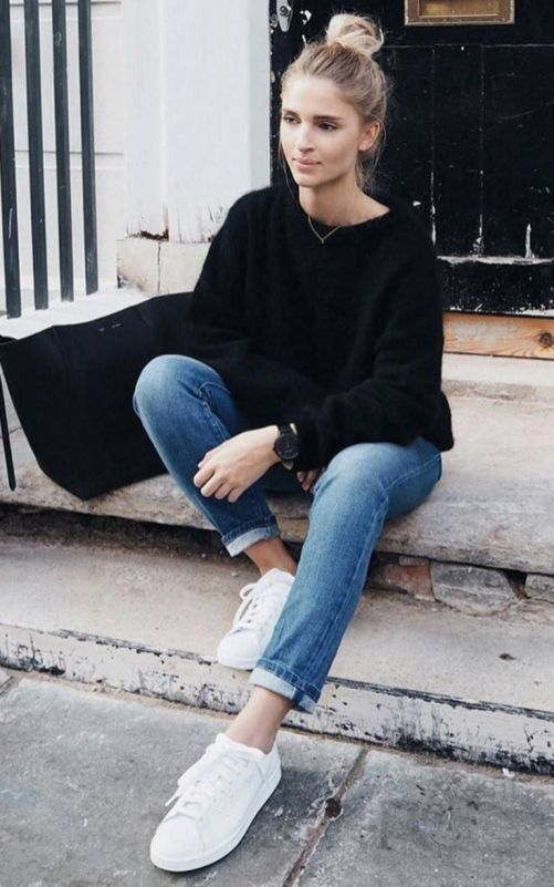 30 Lovely Outfit Ideas With Sneakers for Ladies