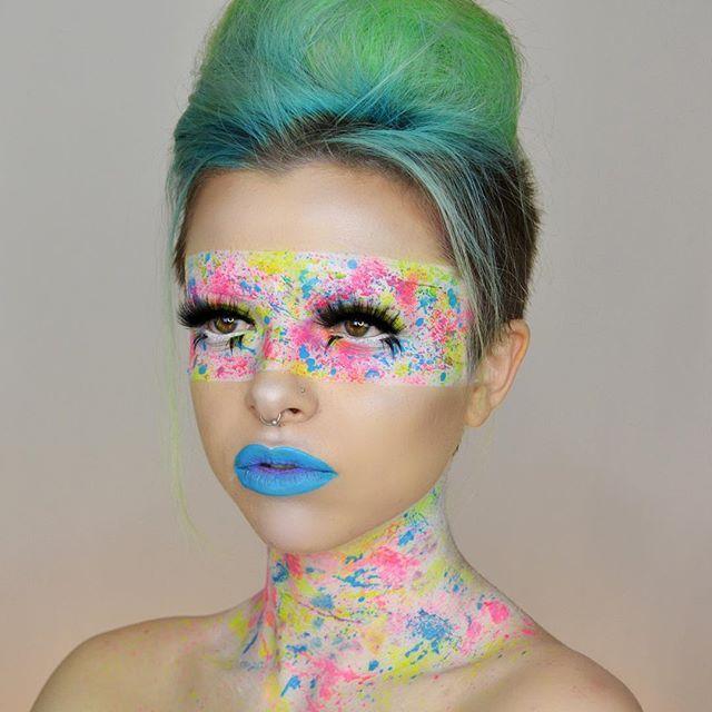 Jawbreaker ✨ Using #Makeupforever Ultra HD foundation & flash colour…