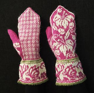 Warm fair isle knittet mittens. I want my mittens to be fitted and these are fitted mittens with a broad border