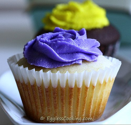 Eggless Vanilla Cupcakes - They feel way more like a cake then any other eggless recipe I have tried so far