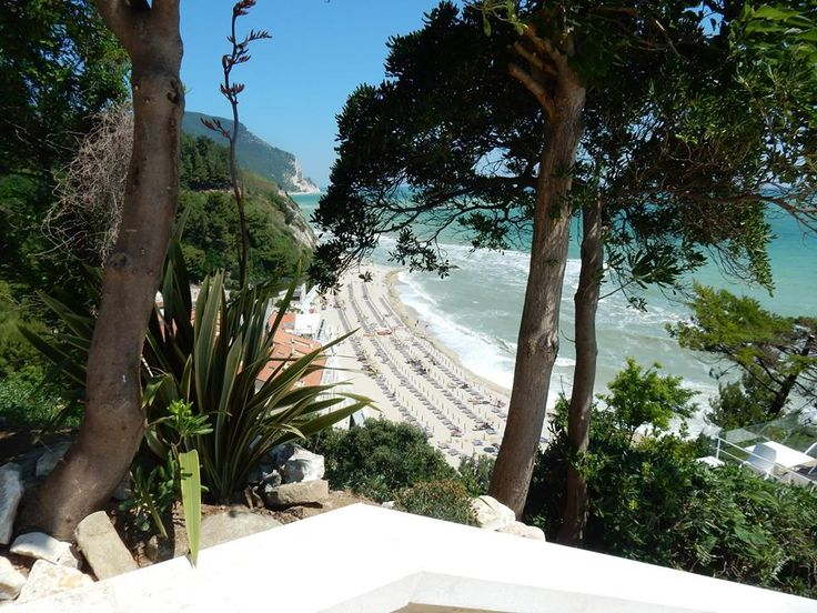 #Numana , la Spiaggiola! Di Marie Colmitti http://www.hotelsinmarche.com/numana