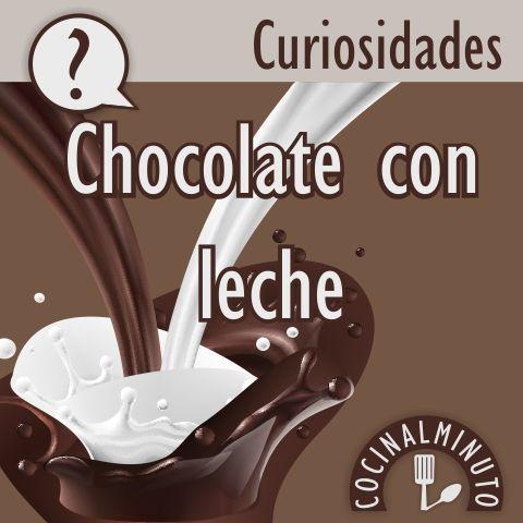 El chocolate con leche, como bien dice la palabra, se forma a partir del cacao puro junto con leche normalmente en polvo, aunque también lleva mantequilla de cacao, azúcar y lecitina.
