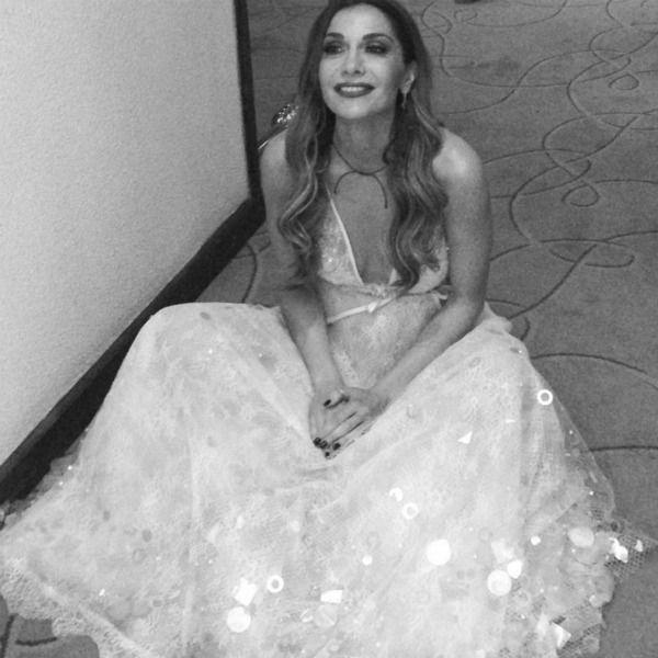 Δείτε τη Δέσποινα Βανδή να ποζάρει με ονειρεμένο φόρεμα