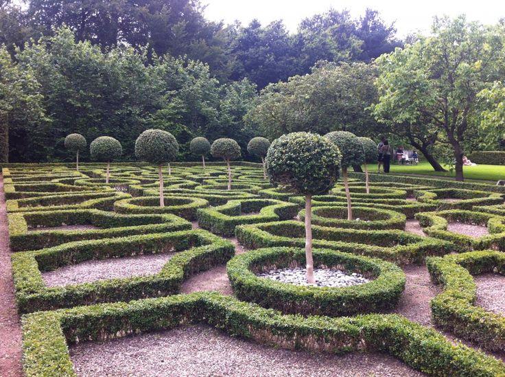 26 best knot gardens images on pinterest knots formal for Tudor knot garden designs