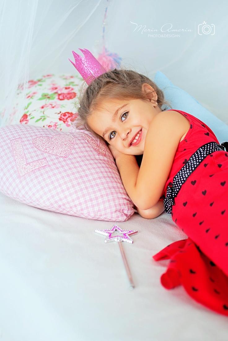 happy girl prinsses http://www.facebook.com/marin.amarin.374
