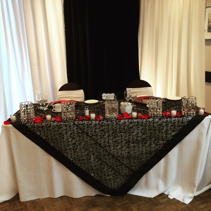 Romeo and Juliet themed sweetheart table from real Vancouver, BC wedding. #createweddingsandevents #vancouverweddings