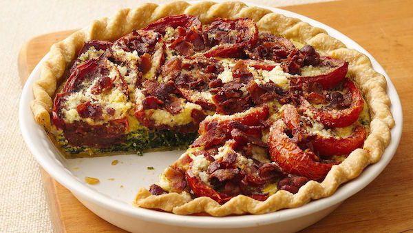Préchauffer le four à 425 °F (220 °C). Placer la croûte dans une assiette à tarte en verre de 9 po (23 cm), selon les directives sur la boîte pour une tarte à une croûte ; canneler le pourtour de la croûte. Faire cuire de 6 à 8 minutes ou jusqu'à ce que la croûte commence à dorer. Retirer du four...