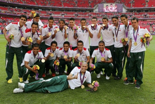 Mexico Scores First Gold Medal vs. Brazil at 2012 Olympics; Soccer Match Results, Medal Ceremony Photos