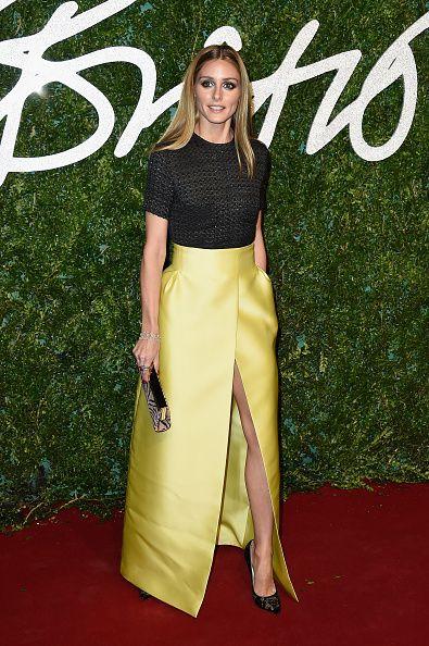 Olivia Palermo chique de saia amarela