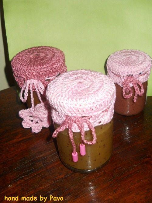 čepička na sklenice s marmeládou / cap on the jar of jam