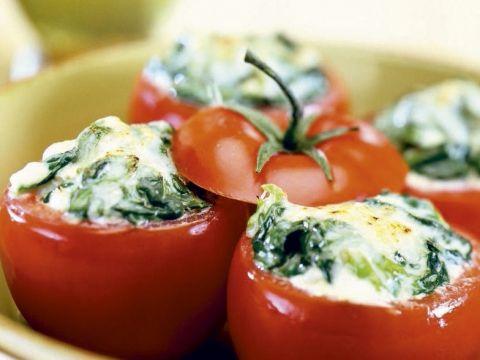 Probeer deze gevulde tomaten uit de oven eens , zo lekker