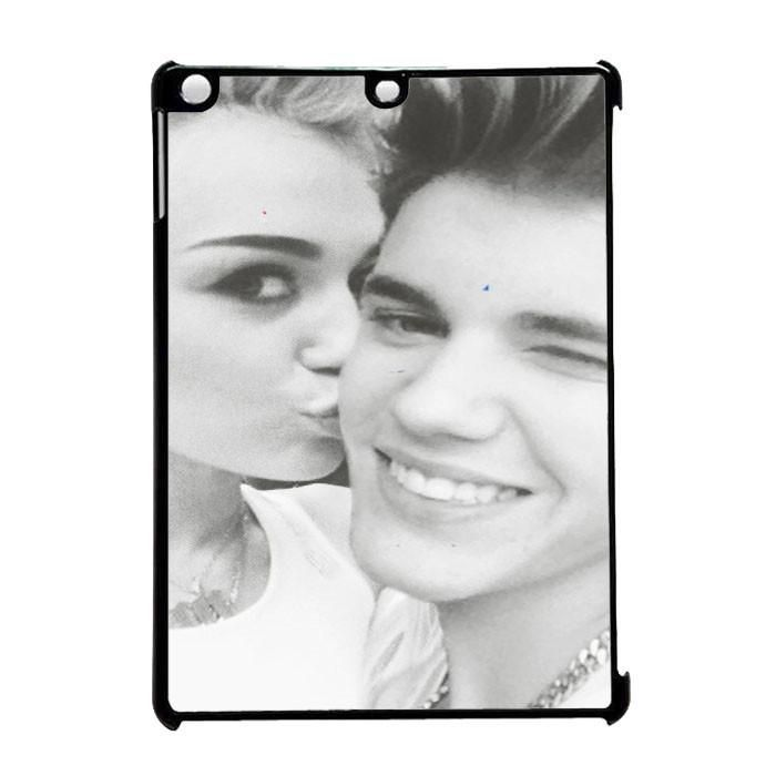Justin Bieber And Miley Cyrus iPad Pro 9.7 Case Dewantary