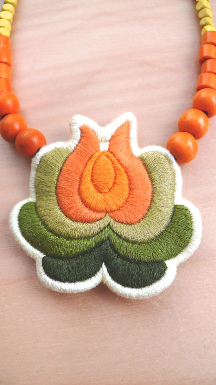 Hand embroidered Hungarian folk necklace by Mokavicka https://www.facebook.com/mokavicka