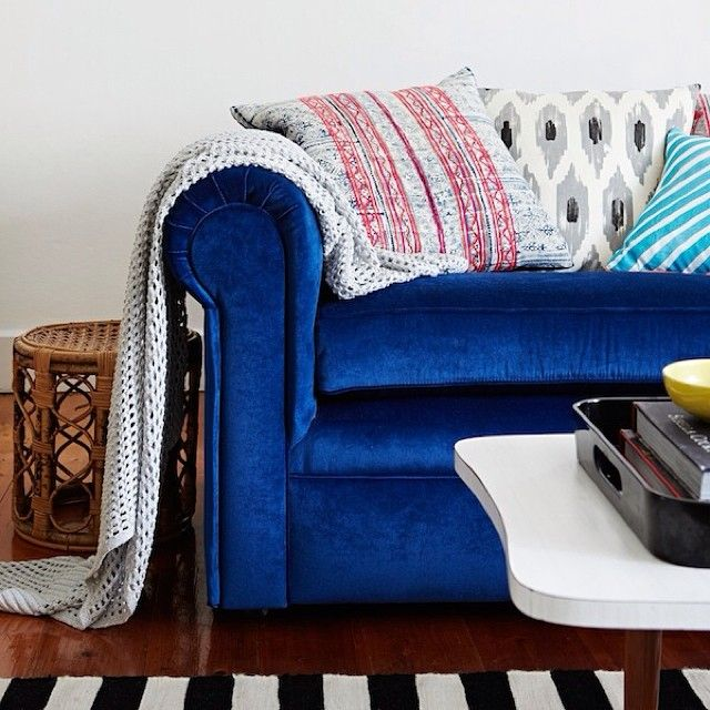 How cute is @alana langan 's couch? We want to curl up on it. Photo by @Annette O'Brien