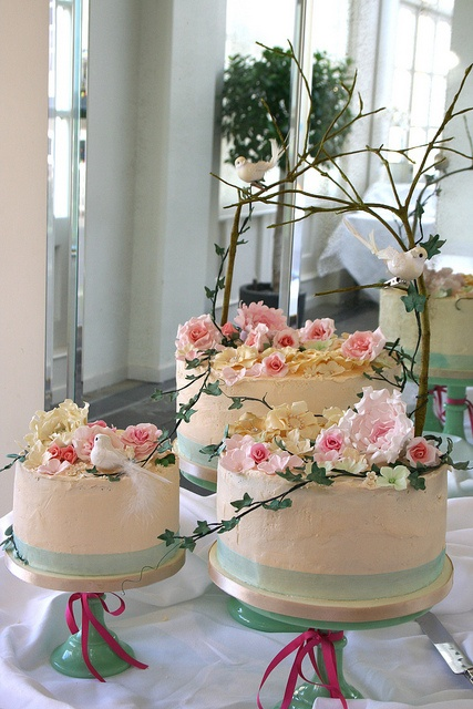how to make a deconstructed wedding cake beautiful i kinda like the deconstructed look for a 15803