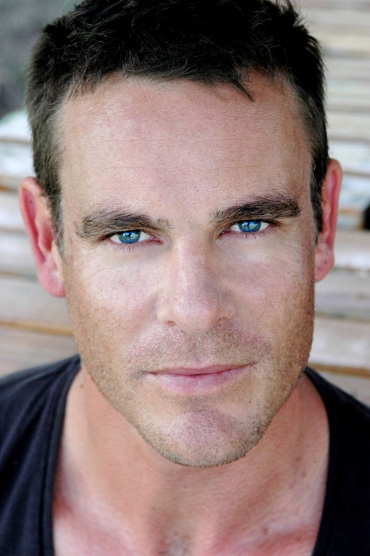 Aaron Jeffery...love his eyes...even though probably not real. :)