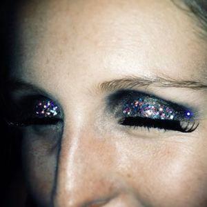 perfect bachelorette make-up http://smudgedbeauty.co.za/2014/04/11/get-the-look-emmas-bachelorette-make-up/