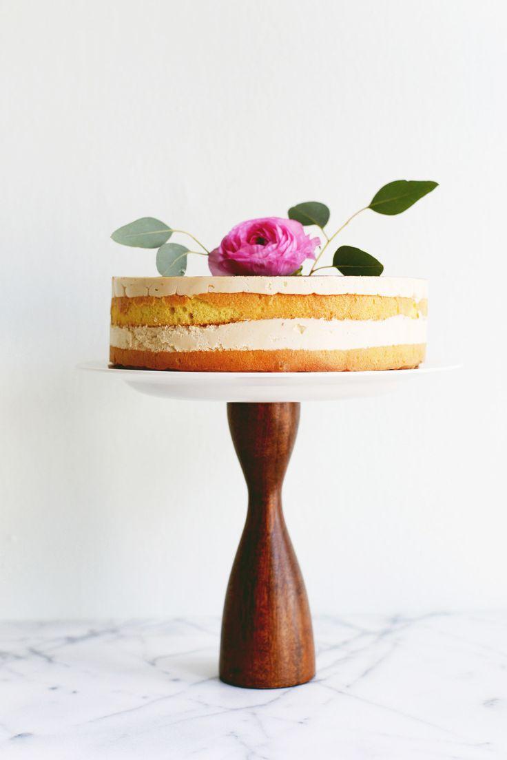 DIY cake plate   Farm Fresh Therapy