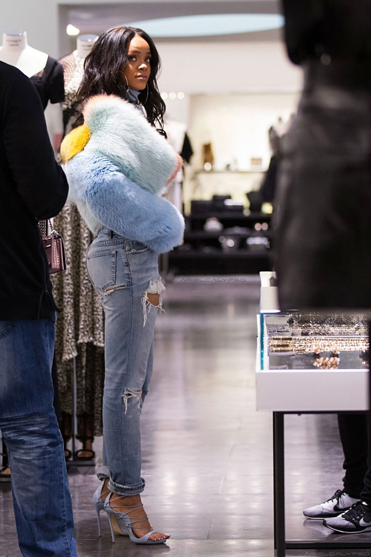 "Rihanna shopping at ""Montaigne Market"" in Paris. (7th March 2015)"