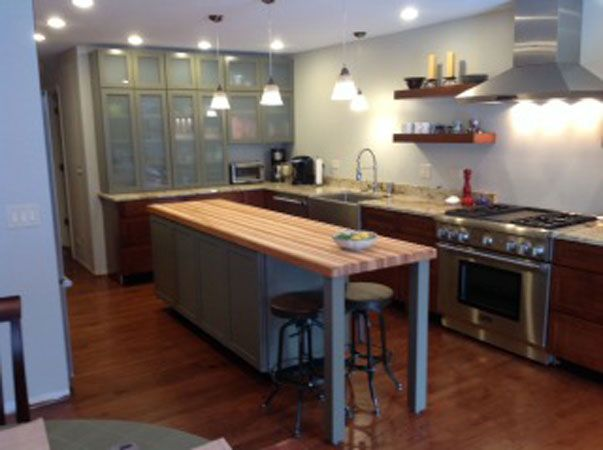 Hickory Butcher Block Countertop   Our Hickory Wood Butcher Block  Countertops Have A Brown Heartwood And A Creamy White Colored Sapwood.